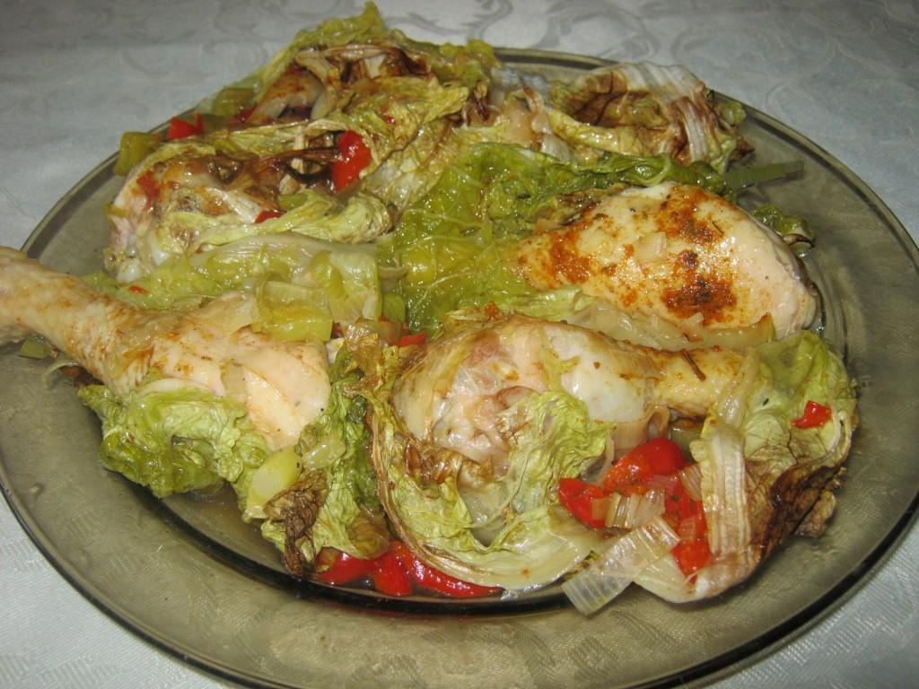 Pałki z kurczaka w kapuście pekińskiej