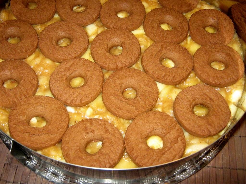 Jabłecznik z galaretka i ciasteczkami 2