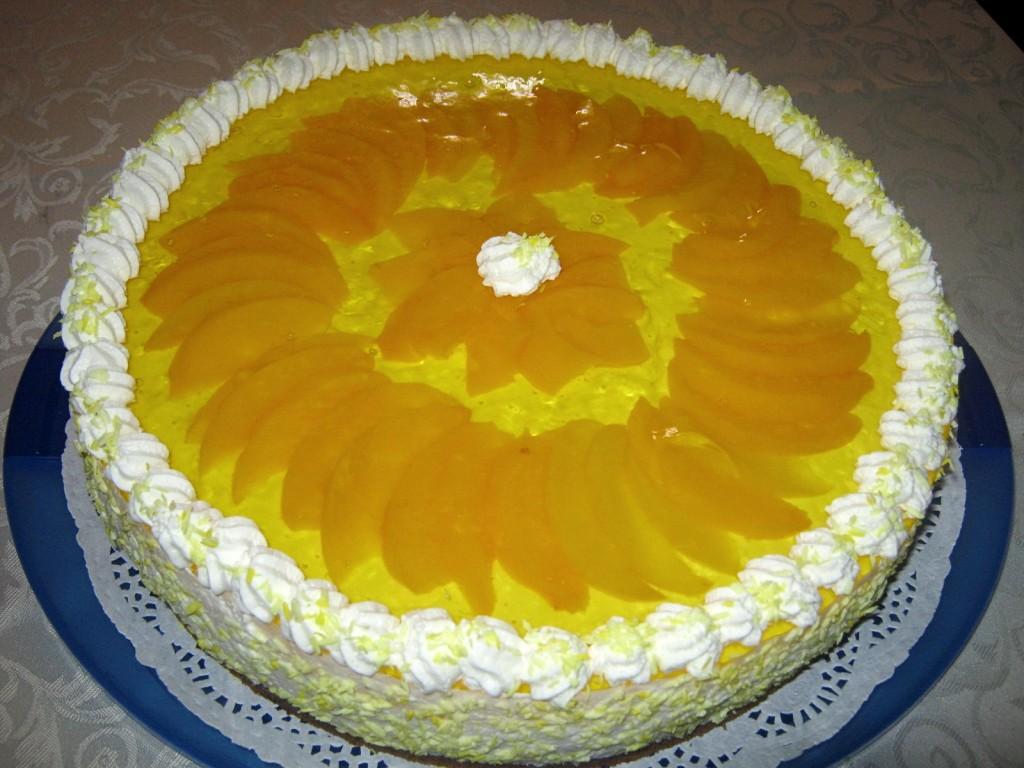 Torcik śmietankowo-serowy z owocami 1