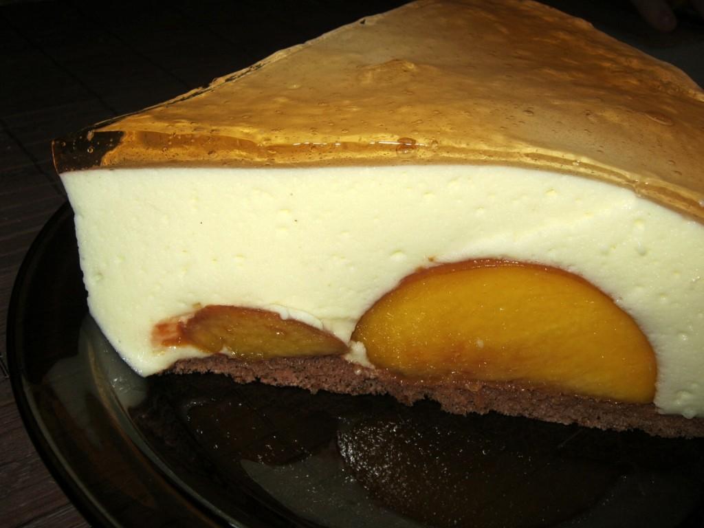 Brzoskwinie pod jogurtową pianką