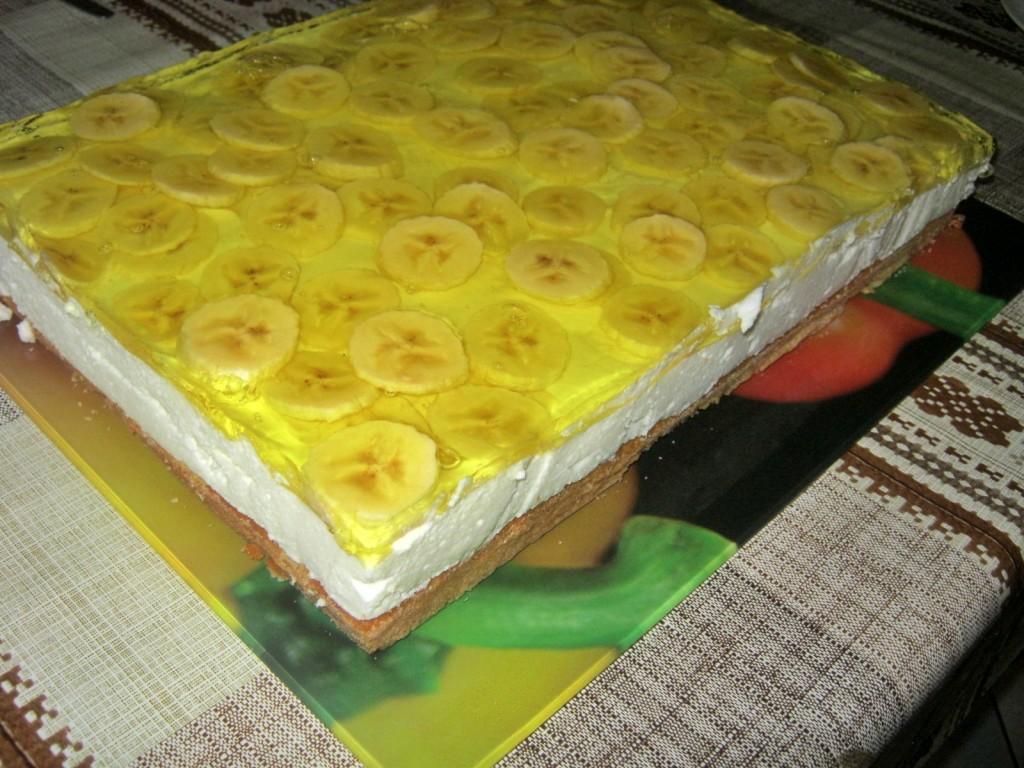 Ciasto serowo- śmietanowe z bananami
