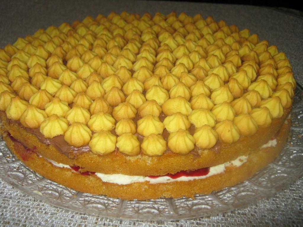 Ciasto biszkoptowe z masą i  kruchymi ciasteczkami3