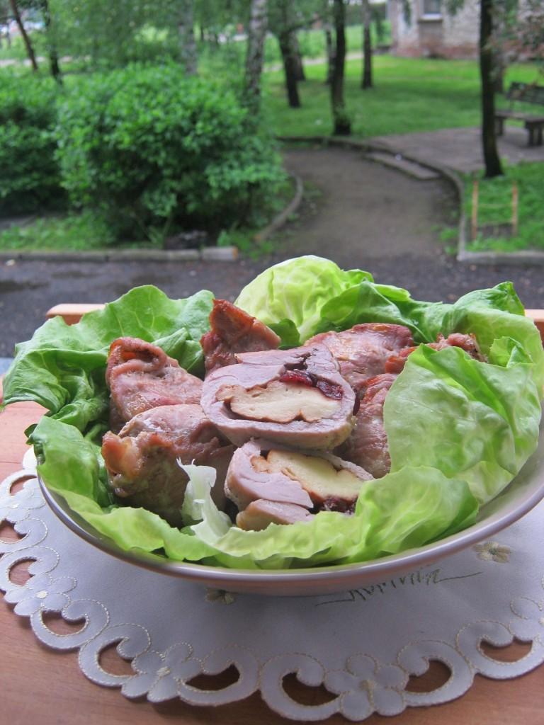 Roladki z polędwiczki wieprzowej z oscypkiem i żurawiną, w formie do muffinek12