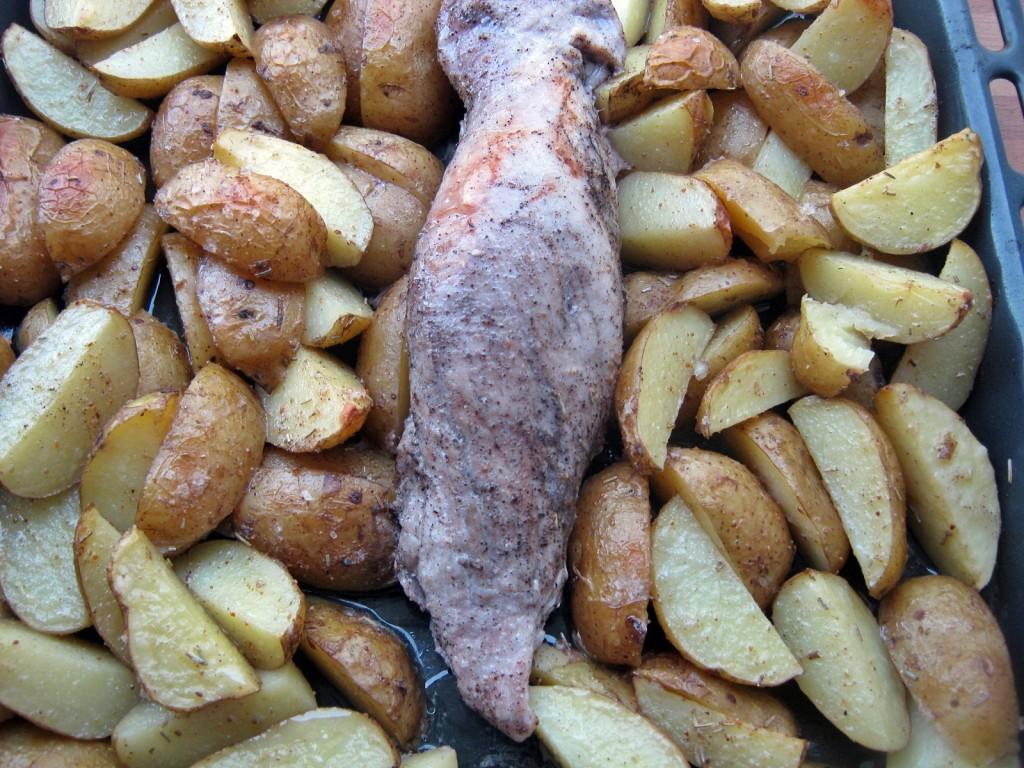 Ziemniaki zapiekane z polędwiczką w piekarniku5