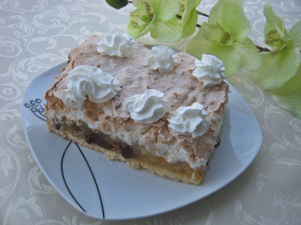 jablecznik-z-brzoskwiniami-pod-kokosowa-beza