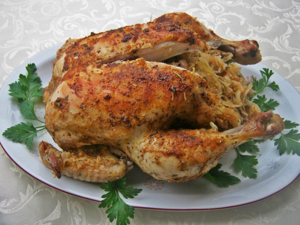 kurczak-faszerowany-kapusta-i-grzybami-z-dodatkiem-sosu-grzybowego2
