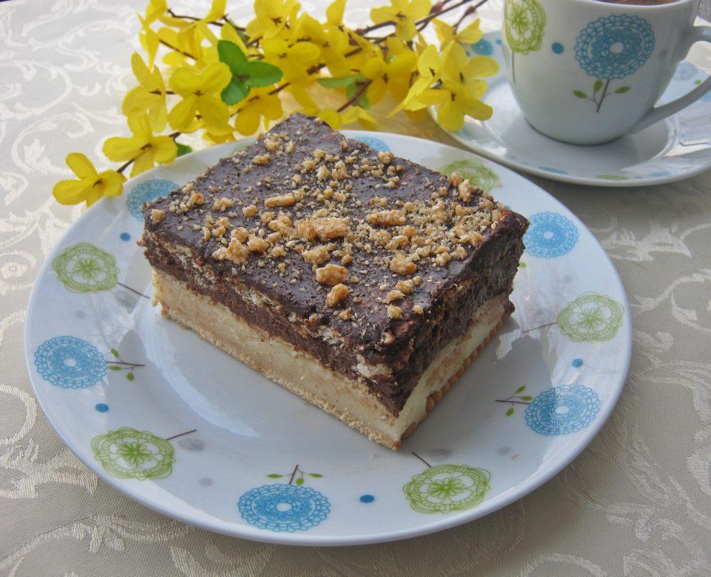 ciasto-bez-pieczenia-z-kasza-manna-o-smaku-rumu-i-chalwy
