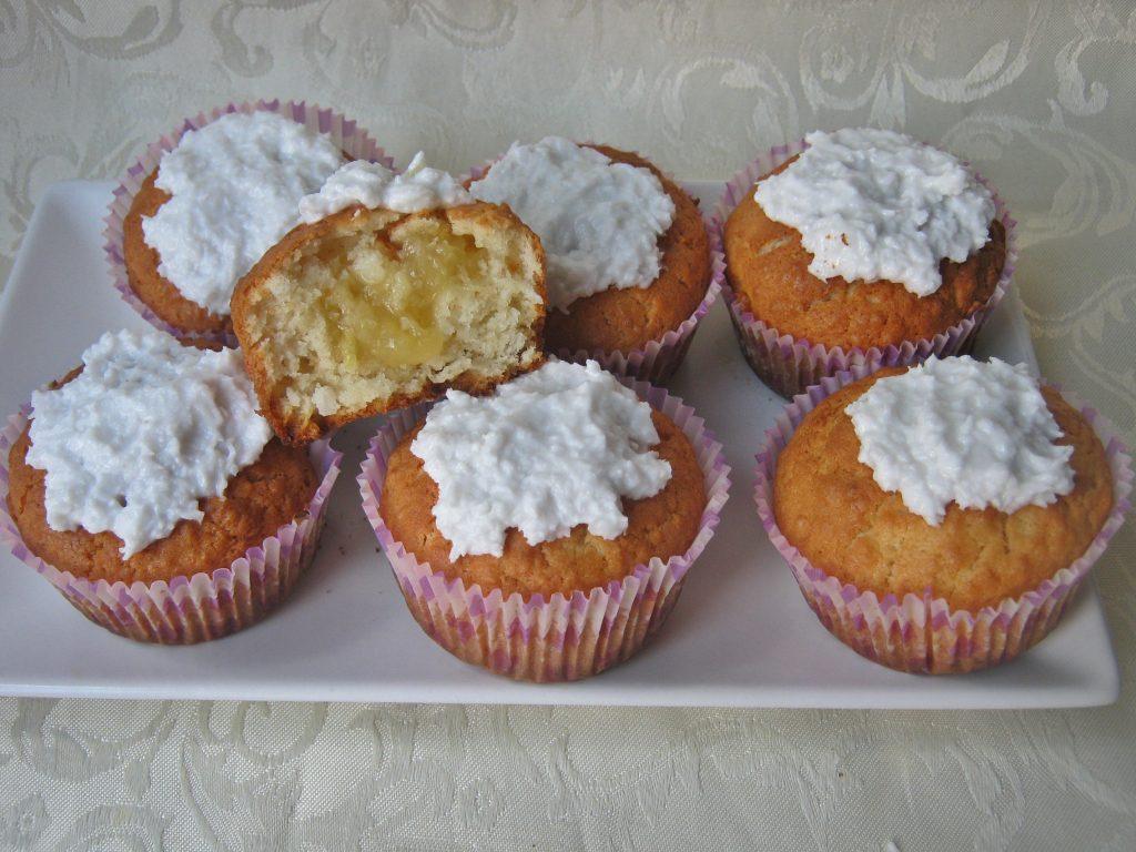 muffinki-kokosowe-z-nadzieniem-ananasowym1