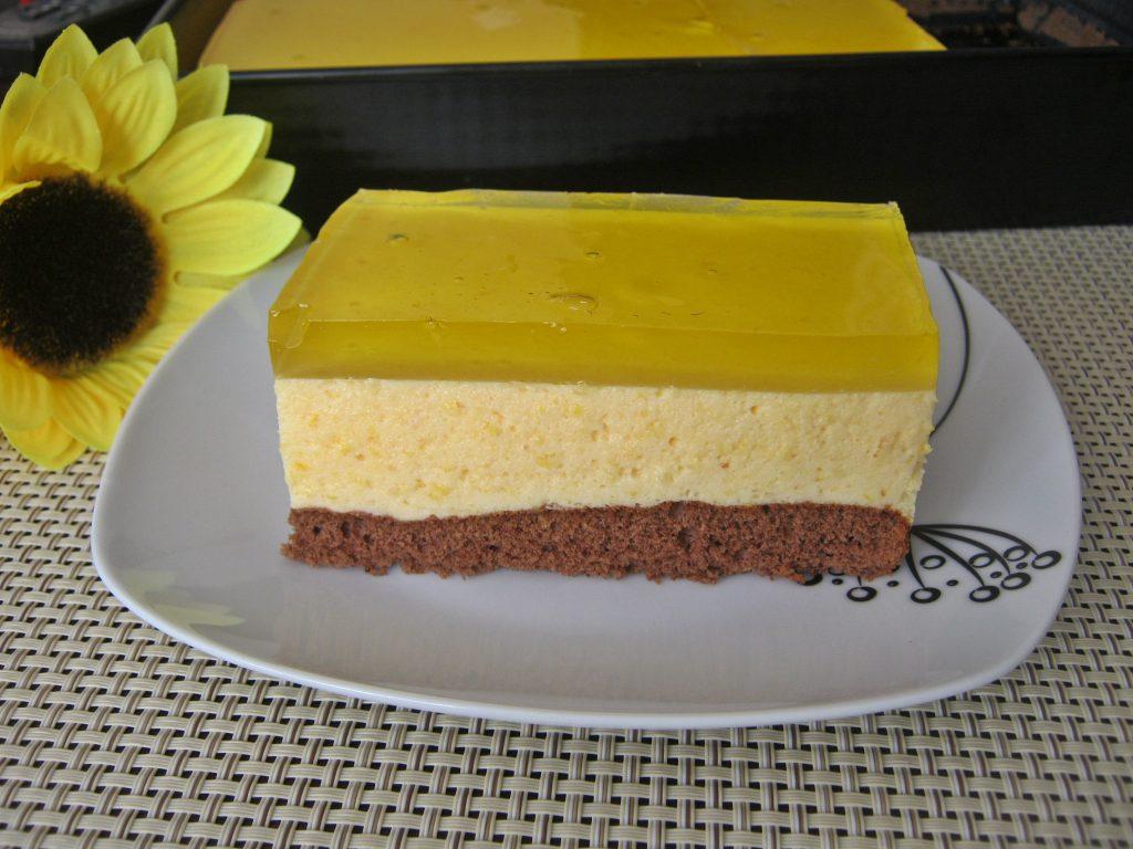 ciasto-z-musem-brzoskwiniowym